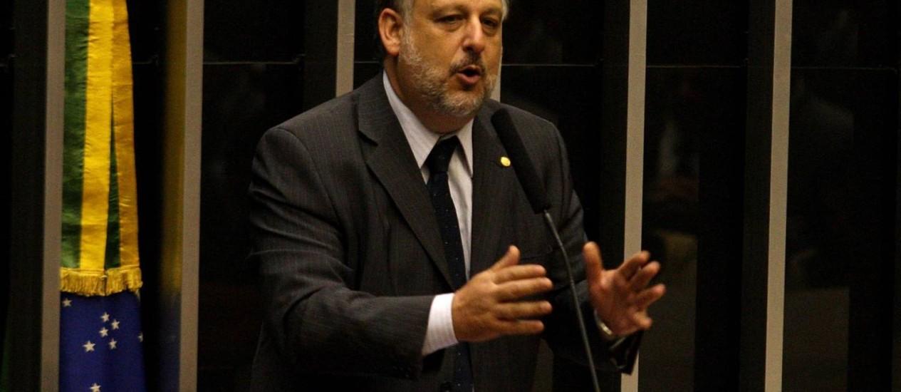 Ministro da Secretaria de Assuntos Institucionais, Ricardo Berzoini se reuniu com líderanças da base aliada do governo. Foto: Ailton de Freitas / Agência O Globo