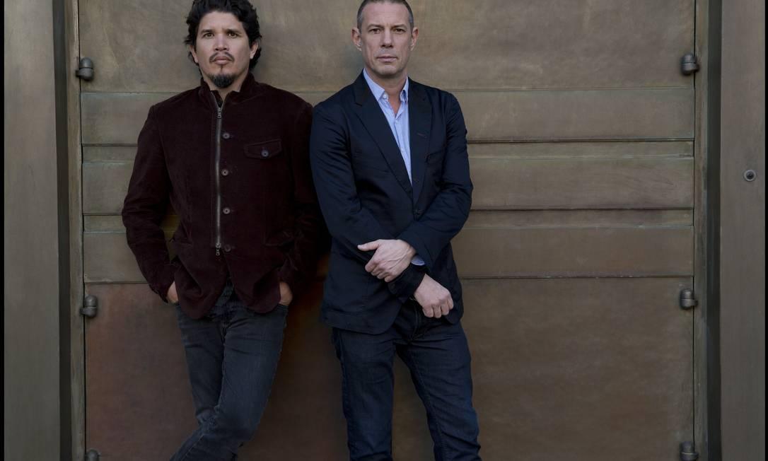 """Rob Garza (à esquerda, ao lado de Eric Hiltol): """"Achamos que seria interessante, nesse momento, fazer um disco de canções e não de grooves"""". Foto: / Divulgação/Andrzej Liguz"""