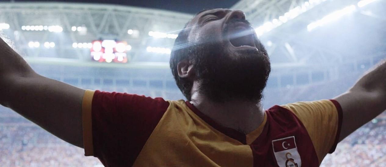 'Istambul united'. Filme, que será exibido no CINEfoot, retrata a união de três times rivais contra o governo turco Foto: Divulgação