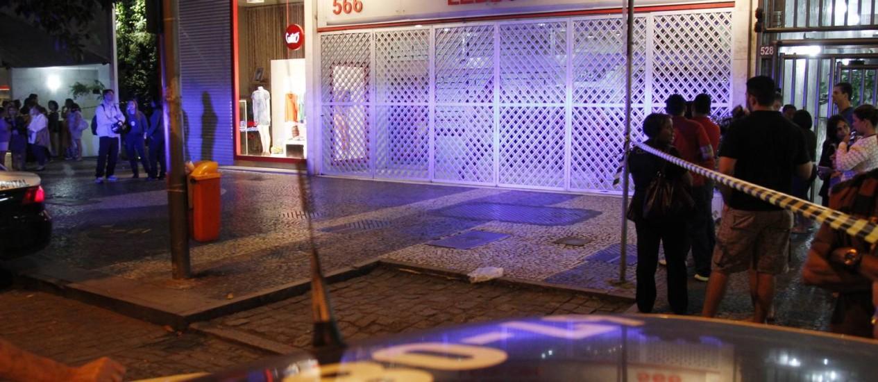 Fachada de galeria onde manicure foi assassinada Foto: ANTONIO SCORZA / Agência O Globo