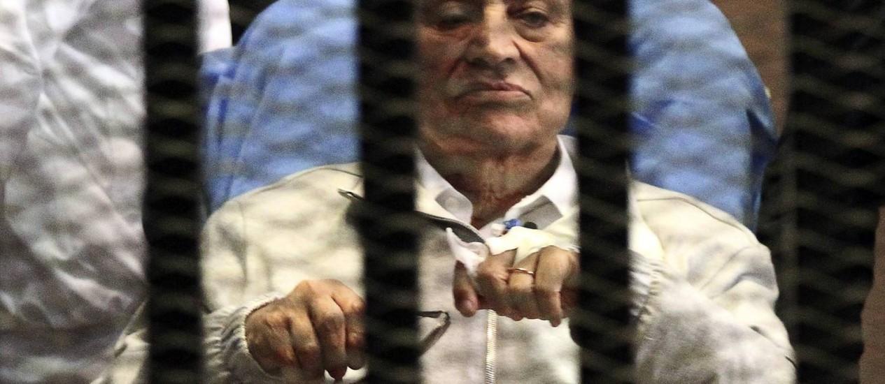 O ex-presidente do Egito Hosni Mubarak em uma academia de polícia na periferia do Cairo, em abril de 2013 Foto: STRINGER/EGYPT / REUTERS