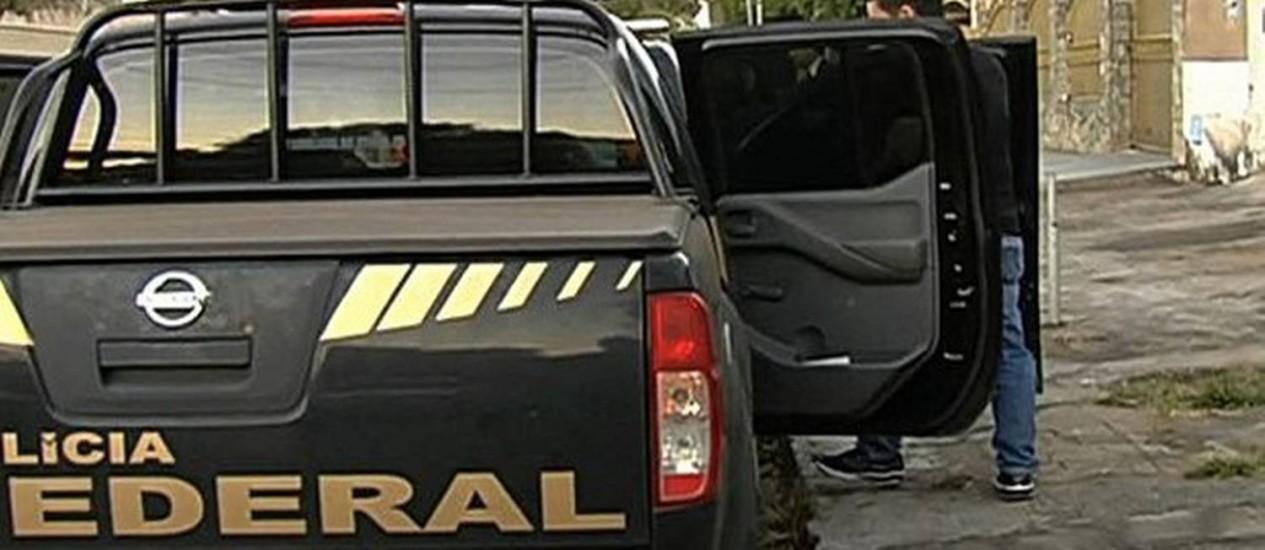 Polícia Federal faz operação em Goiania Foto: Reprodução/TV Anhanguera