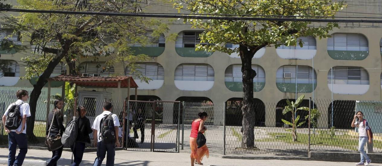 Unidade de Niterói é uma das 14 do Colégio Pedro II que deverá mudar processo seletivo Foto: Hudson Pontes / Agência O Globo