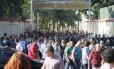 Policiais civis fazem manifestação na Cidade da Polícia, no Jacarezinho