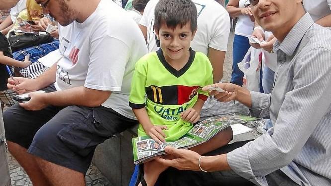 Álbum completo. Carlos Vasconcellos e o filho, Mateus, de 7 anos Foto: Divulgação / Divulgação
