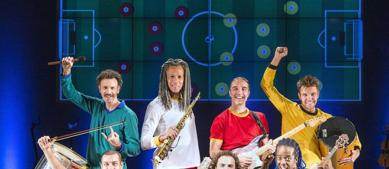 Elenco de 'Samba Futebol Clube' mistura futebol, música e muito humor: todos os atores tocam ao vivo no espetáculo Foto: Leo Aversa / Divulgação
