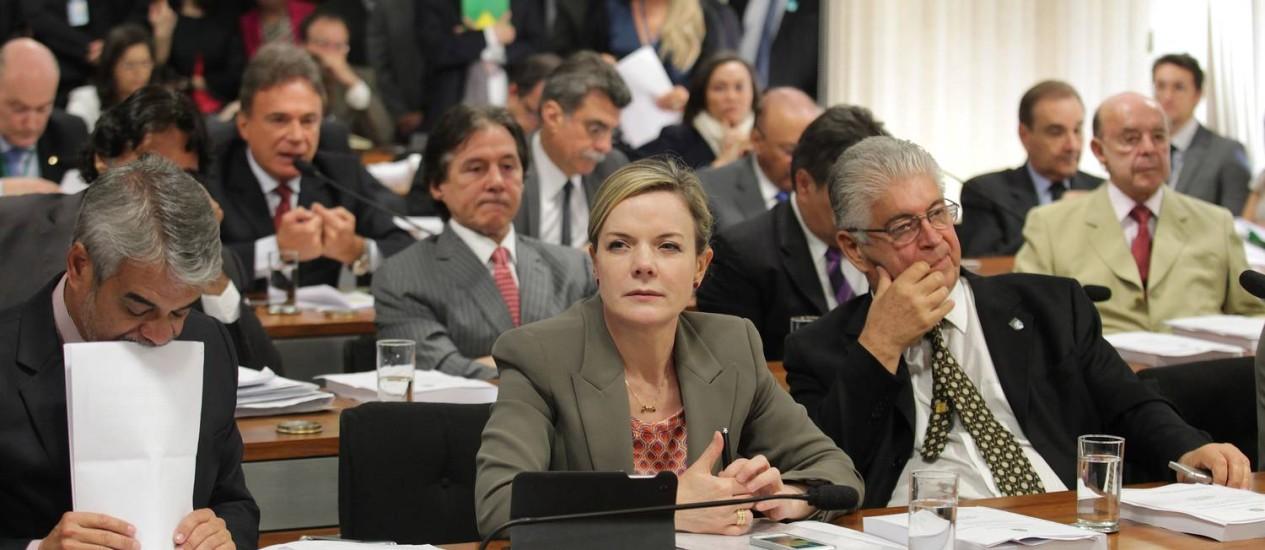 Gleisi Hoffman foi a relatora das medidas que constam no RDC Foto: Ailton de Freitas / Agência O Globo