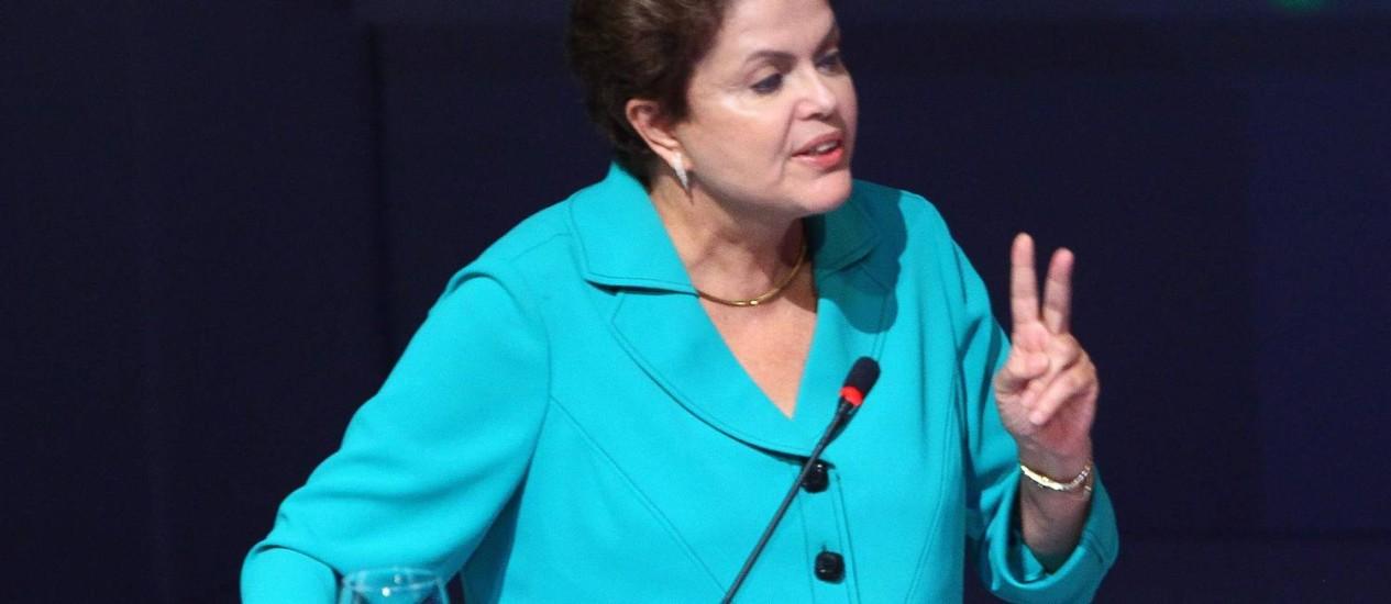 A presidente Dilma Rousseff do Encontro Nacional da Indústria da Construção (Enic), em Goiânia Foto: André Coelho / Agência O Globo