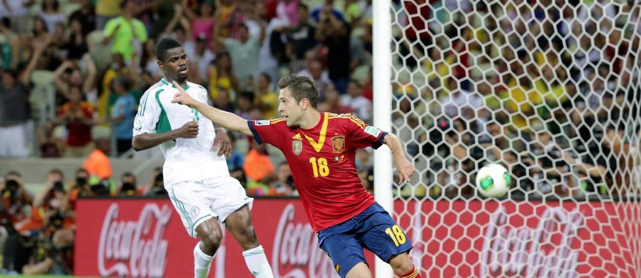Jordi Alba marca um gol na Arena Castelão, no jogo contra a Nigéria pela Copa das Confederações. Foto: Cezar Loureiro / Agência O Globo