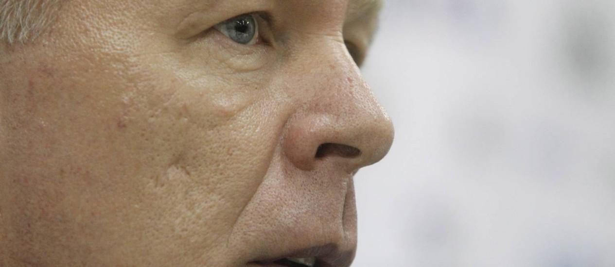O técnico do Corinthians, Mano Menezes: inferno astral que não passa Foto: Ivo Gonzalez / Agência O Globo