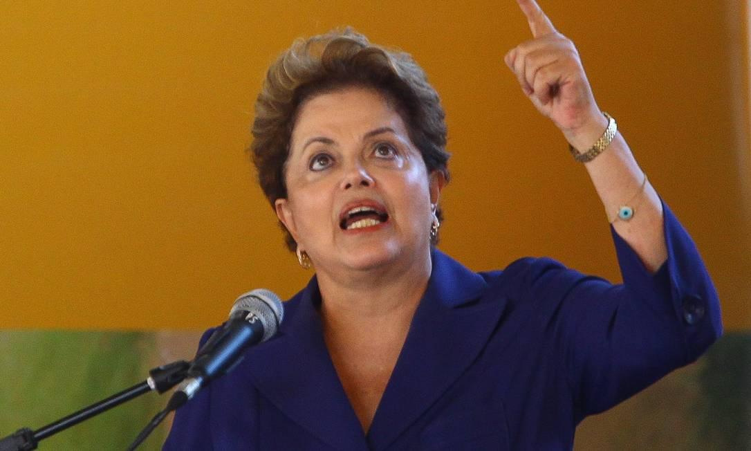 Dilma afirmou que ferrovia é sonho antigo e culpa governos estaduais anteriores Foto: / André Coelho / Agência O Globo