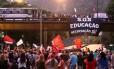Manifestação de professores em Laranjeiras fecha Rua Pinheiro Machado