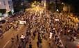 Professores decidem manter a greve e tomam a Pinheiro Machado