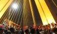 Sem-teto ocupam a ponte estaiada, na Zona Sul de São Paulo, em protesto contra gastos com a Copa do Mundo