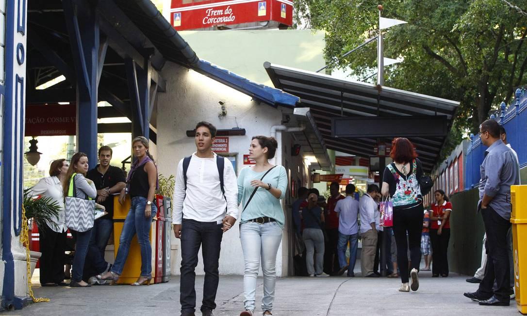 Movimentação no Trem do Corcovado: estrangeiros são excluídos da lei de meia-entrada Foto: Pablo Jacob / Agência O Globo (21/05/2013)