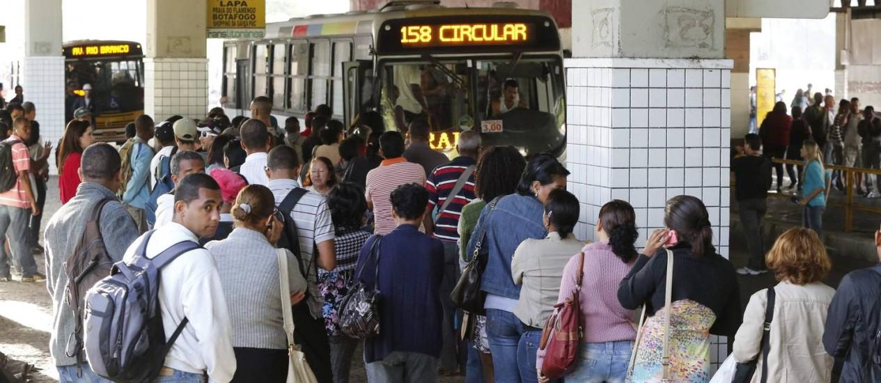 Fila durante paralisação de rodoviários: categoria promete greve por tempo indeterminado Foto: Pablo Jacob / Agência O Globo