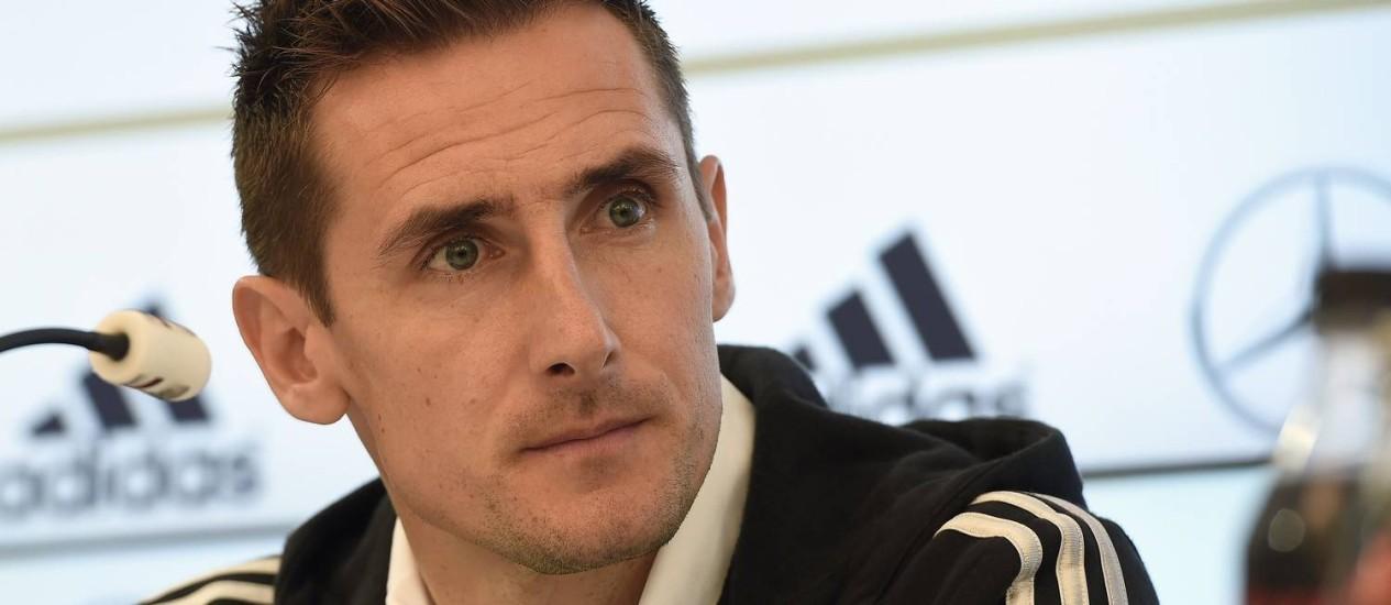 Klose está perto de quebrar dois recordes com a camisa da seleção alemã Foto: Patrik Stollarz / AFP
