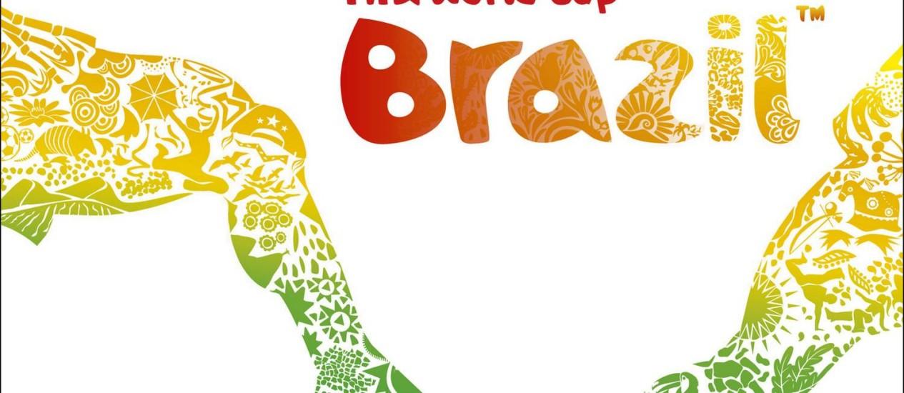 Cartaz da Copa do Mundo no Brasil com a fonte Pagode, criada por um artista contratado pela Fifa: restrição de uso do termo Foto: AP