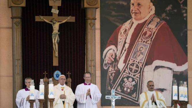 Papa celebra sua primeira missa na Jordânia Foto: POOL / REUTERS