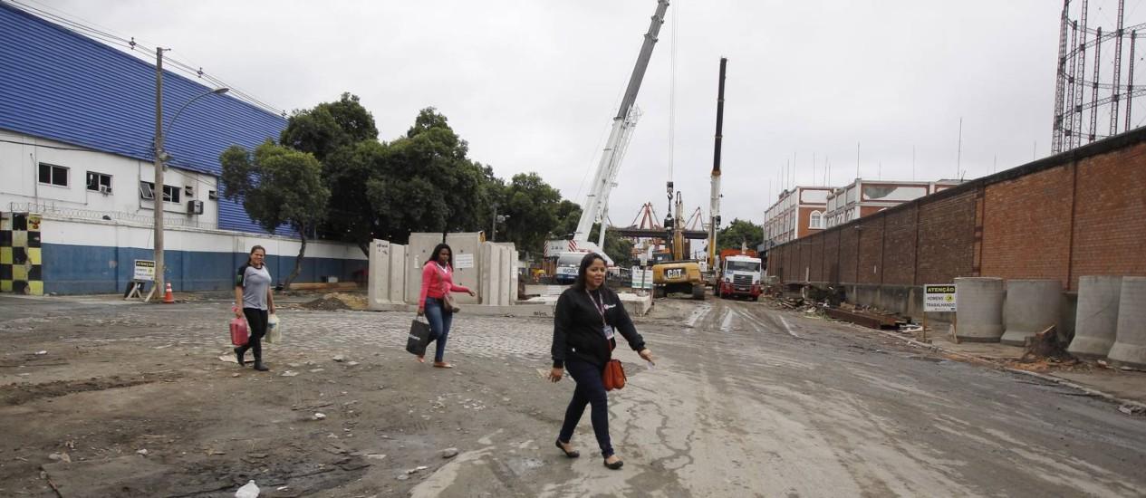 Obras consistem em serviços de infraestrutura para controle de enchentes da Bacia do Canal do Mangue Foto: Agência O Globo/Antônio Scorza