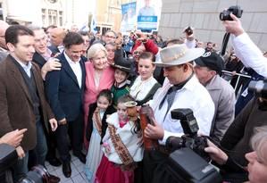 Aécio Neves, em solenidade em Porto Alegre, com a senadora Ana Amélia Lemos (PP) Foto: Divulgação/ Orlando Brito