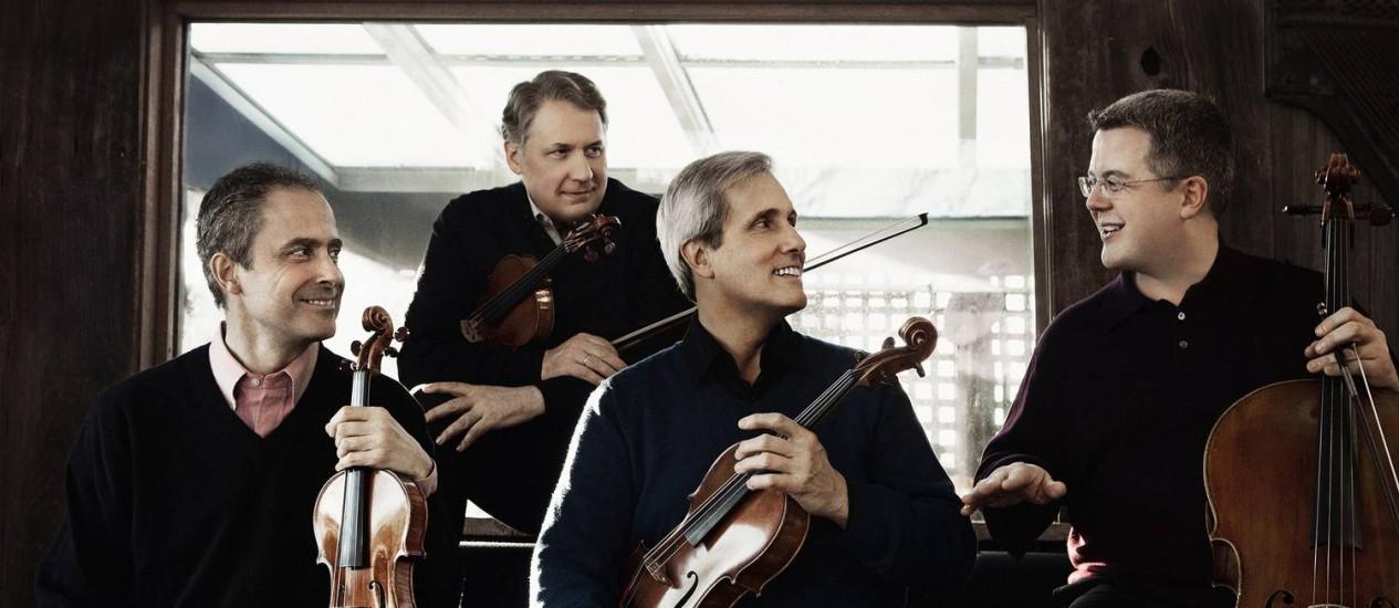 Excelência. Os violinistas Eugene Drucker e Philip Setzer, o violista Lawrence Dutton, e o violoncelista Paul Watkins Foto: Divulgação / Divulgação