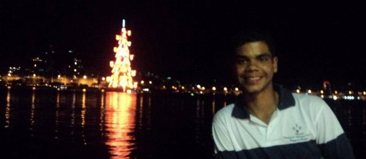 Jean Sousa, de 22 anos estava internado no Hospital Naval Marcílio Dias desde o último dia 8 de maio Foto: Reprodução/Facebook