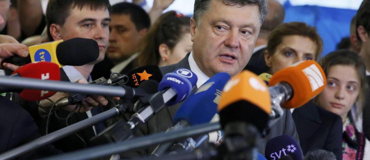 Chocolate. Petro Poroshenko foi eleito o novo presidente da Ucrãnia com vitória esmagadora no primeiro turno Foto: GLEB GARANICH / REUTERS