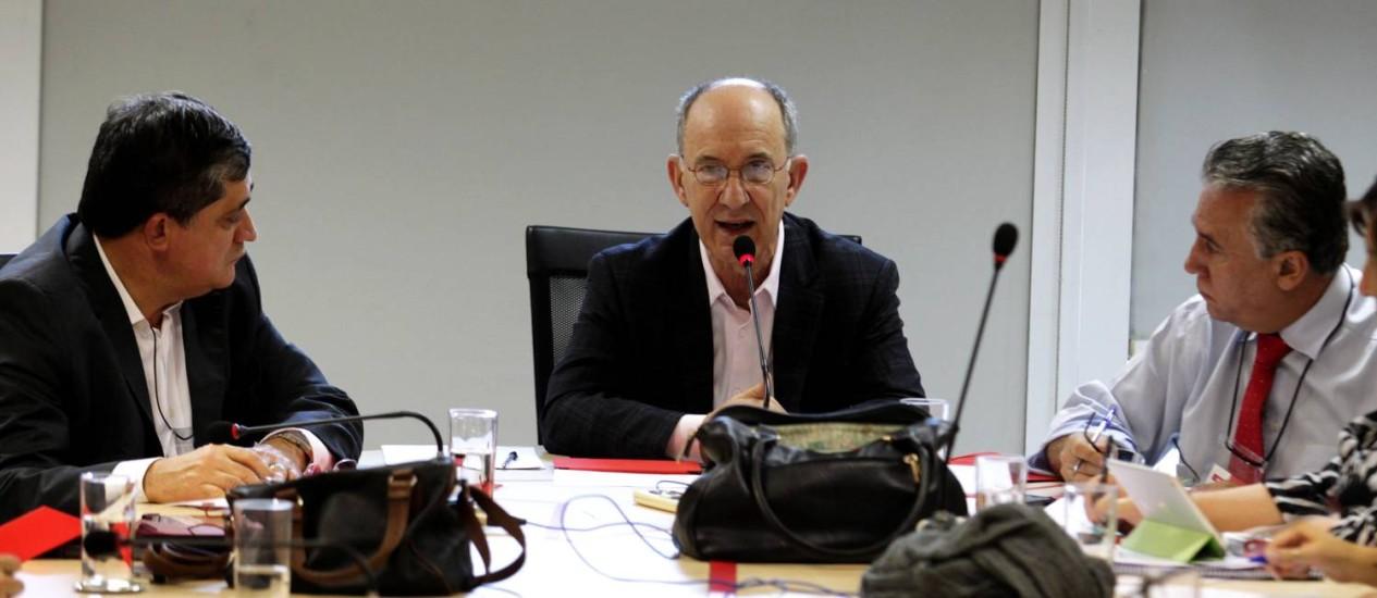 Rui Falcão avalia propaganda retirada do ar pelo TSE como positiva Foto: Ailton de Freitas / O Globo