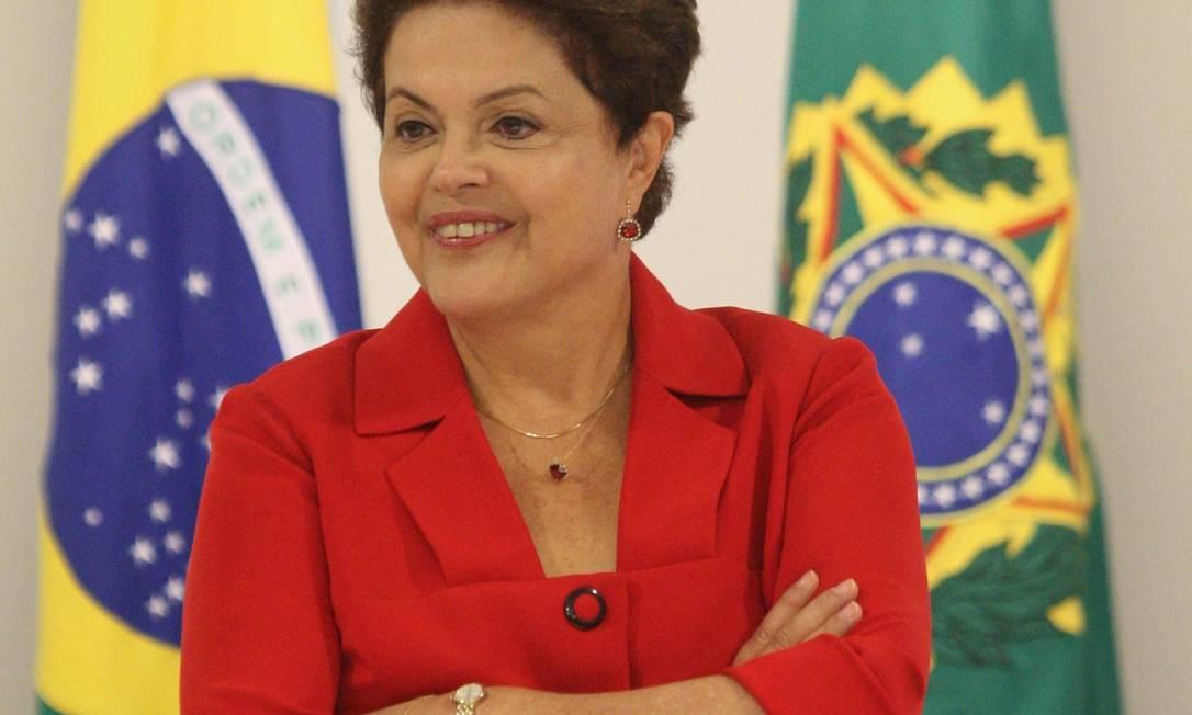 Presidente afirmou que aeroportos estão sendo feitos para os brasileiros e não só para a Copa e a Fifa Foto: André Coelho / O Globo