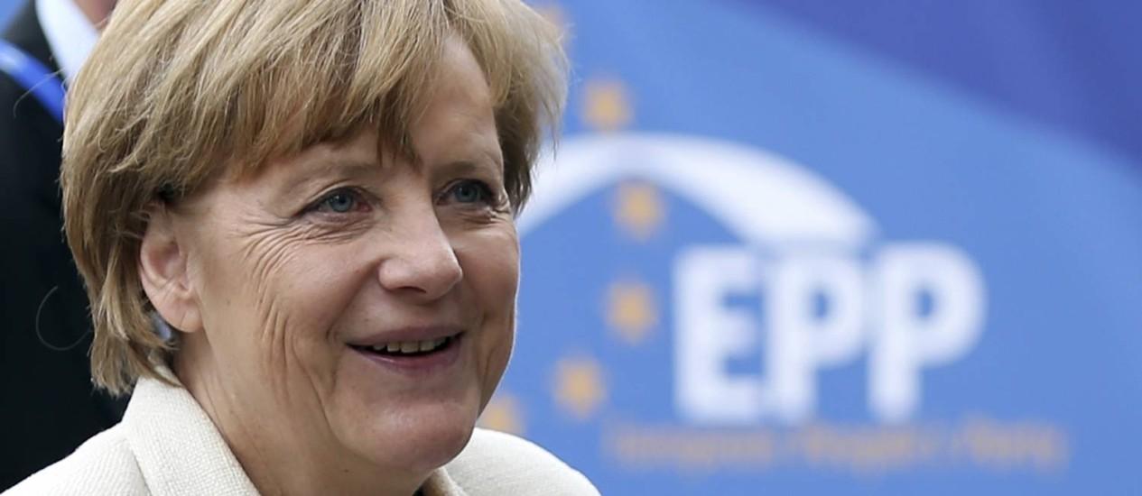 Angela Merkel. Para reconquistar eleitores, chanceler alemã pediu novo foco em competitividade, crescimentos e empregos Foto: FRANCOIS LENOIR / REUTERS