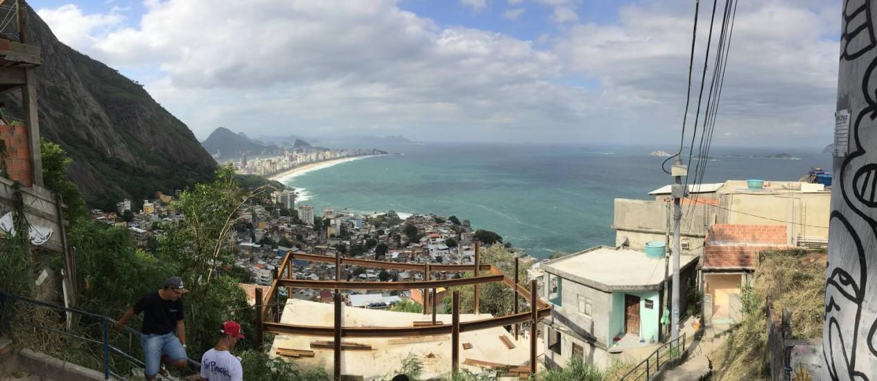 Vista do alto do Vidigal, próximo ao Hotel Mirante do Avrão, onde o Na Área foi apresentado Foto: Carlos Alberto Teixeira