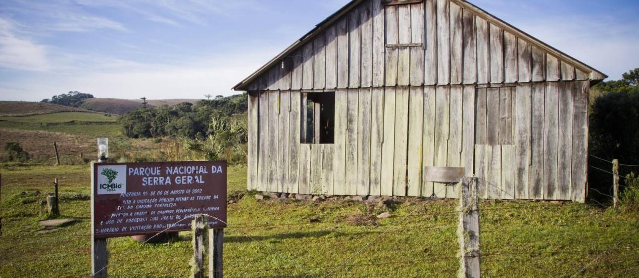 Entrada do Parque Nacional da Serra Geral, em Cambará do Sul: sem guaritas ou centro de recepção para os turistas Foto: Guito Moreto