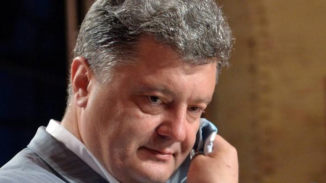 O novo presidente da Ucrânia, Petro Poroshenko, em entrevista coletiva em Kiev Foto: SERGEI SUPINSKY / AFP