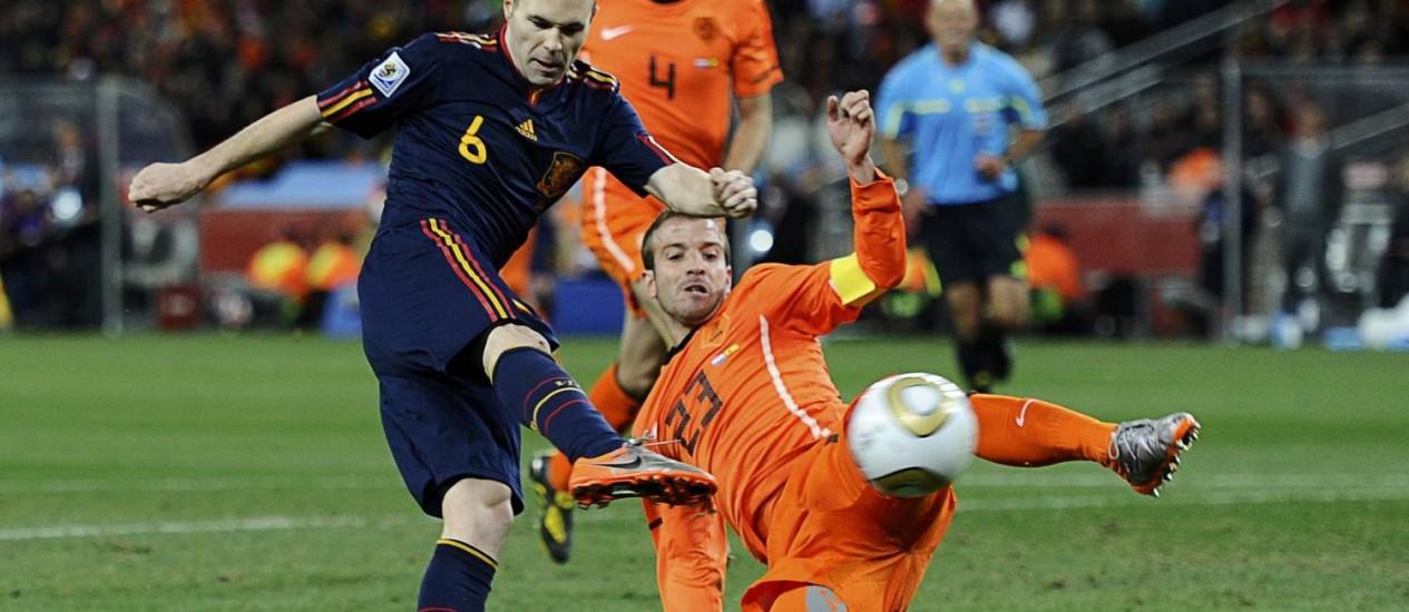 Van der Vaart jogou a Copa de 2010 e foi vice-campeão com a Holanda Foto: Dylan Martinez / REUTERS
