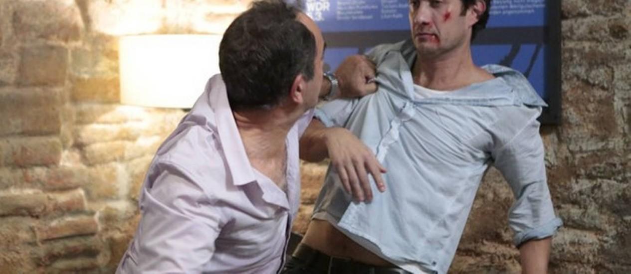 Virgílio acaba com Laerte em briga por Luiza. Foto: Divulgação/ TV Globo