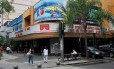 O Cine Leblon fica na esquina da Avenida Ataulfo de Paiva com Rua Carlos Góis
