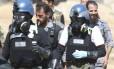 Inspetores químicos da ONU na Síria. Governo do país não completará destruição do arsenal químico dentro do prazo, e é acusado de usar gás de cloro em recentes ataques contra rebeldes