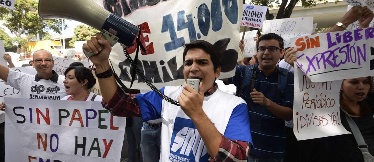 Jornalistas protestam em Caracas Foto: AFP-28-1-2013