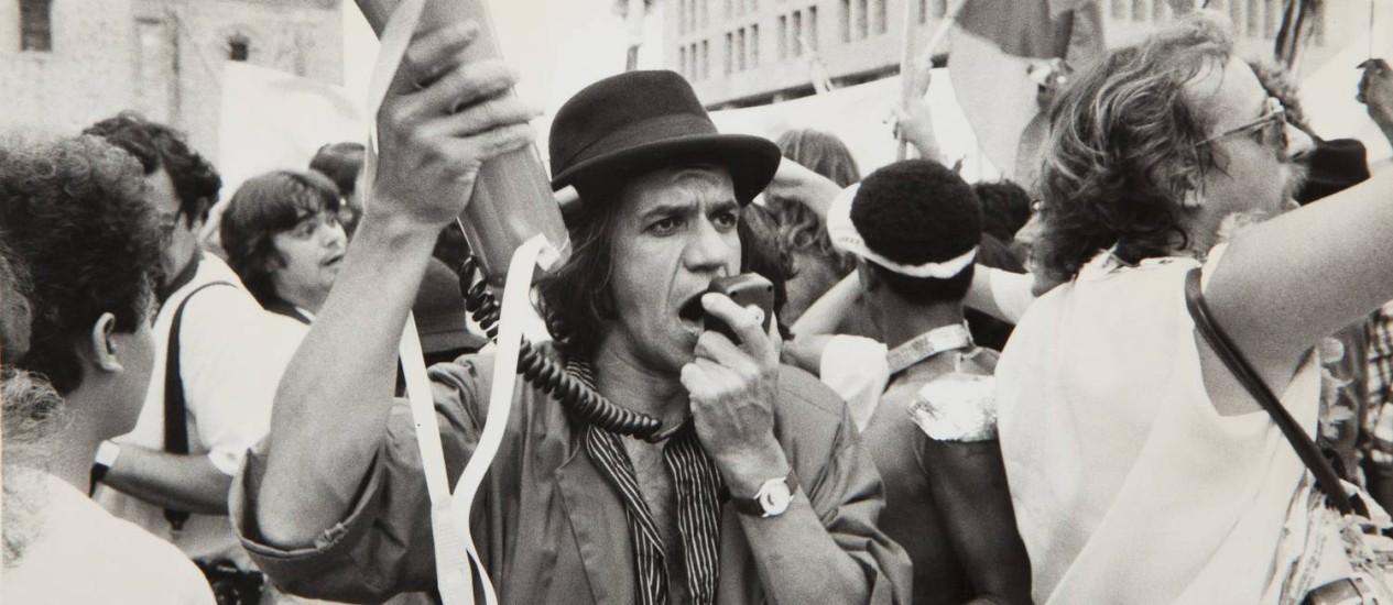 """Perfeito Fortuna no México, numa das cenas de """"A farra do Circo"""": registro de época Foto: Divulgação"""
