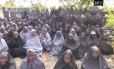 Vídeo divulgado pelo Boko Haram mostra as jovens sequestradas rezando