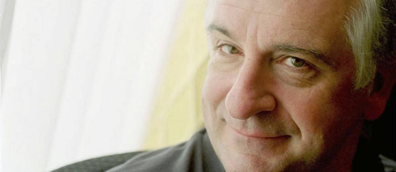 Douglas Adams é um dos escritores britânicos mais famosos Foto: Wikimedia Commons / Michael Hughes