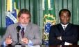 Lula e Barbosa, quando o então presidente anunciou seu indicado para o STF, o primeiro ministro negro da Corte