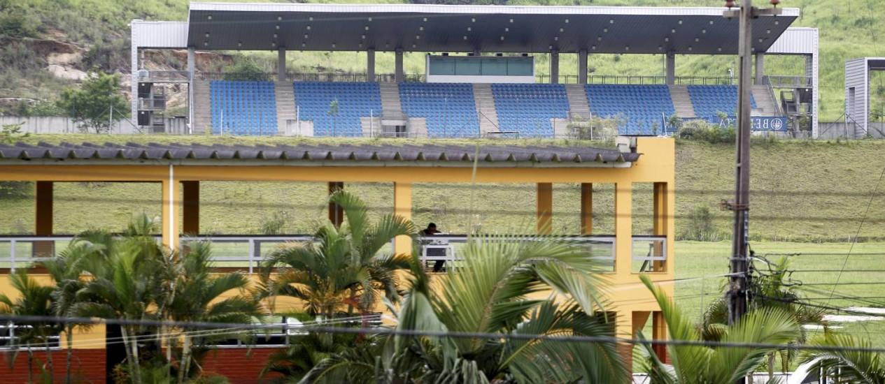 Deodoro. Uma das áreas do complexo esportivo: atrasos no cronograma Foto: Marcelo Piu / Agência O Globo (02/12/2013)