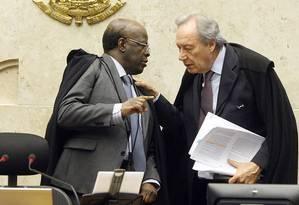 Barbosa e Lewandowski durante sessão do STF Foto: Divulgação/Nelson Jr./STF