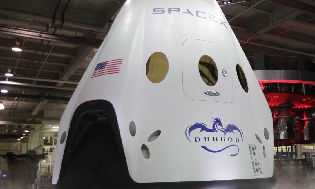 A SpaceX lançou a nave Dragon V2 em Hawthorne, na Califórnia Foto: Jae C. Hong / AP