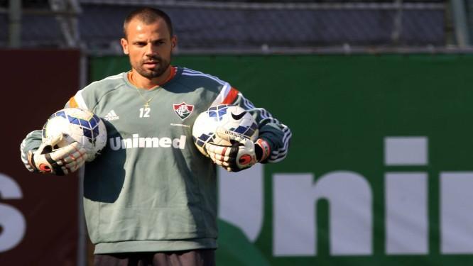 ca9a798fbe Diego Cavalieri foi liberado para defender o Fluminense contra o  Internacional Foto  Fluminense   Divulgação