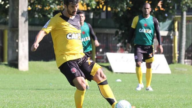 Douglas no treino do Vasco na manhã desta sexta-feira Foto: Divulgação
