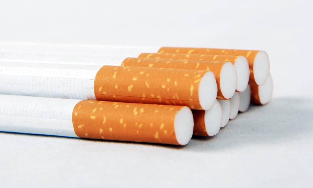 O consumo de cigarros, cigarrilhas, charutos, cachimbos, narguilés e outros produtos ligados ao fumo está proibido em locais de uso coletivo públicos e privados Foto: / StockPhoto