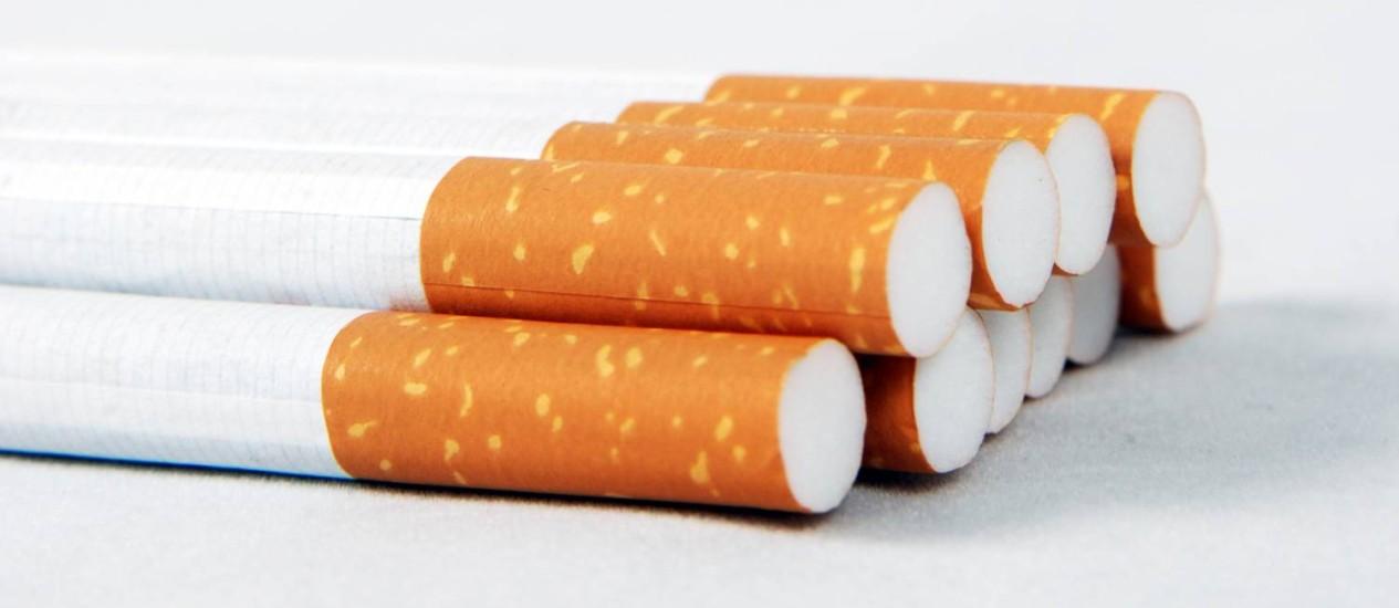 O consumo de cigarros, cigarrilhas, charutos, cachimbos, narguilés e outros produtos ligados ao fumo está proibido em locais de uso coletivo públicos e privados Foto: StockPhoto